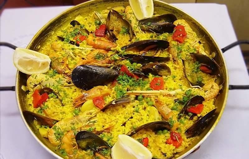 Paella De Mariscos In El Rey De La Gamba I Tasteatlas Recommended Authentic Restaurants