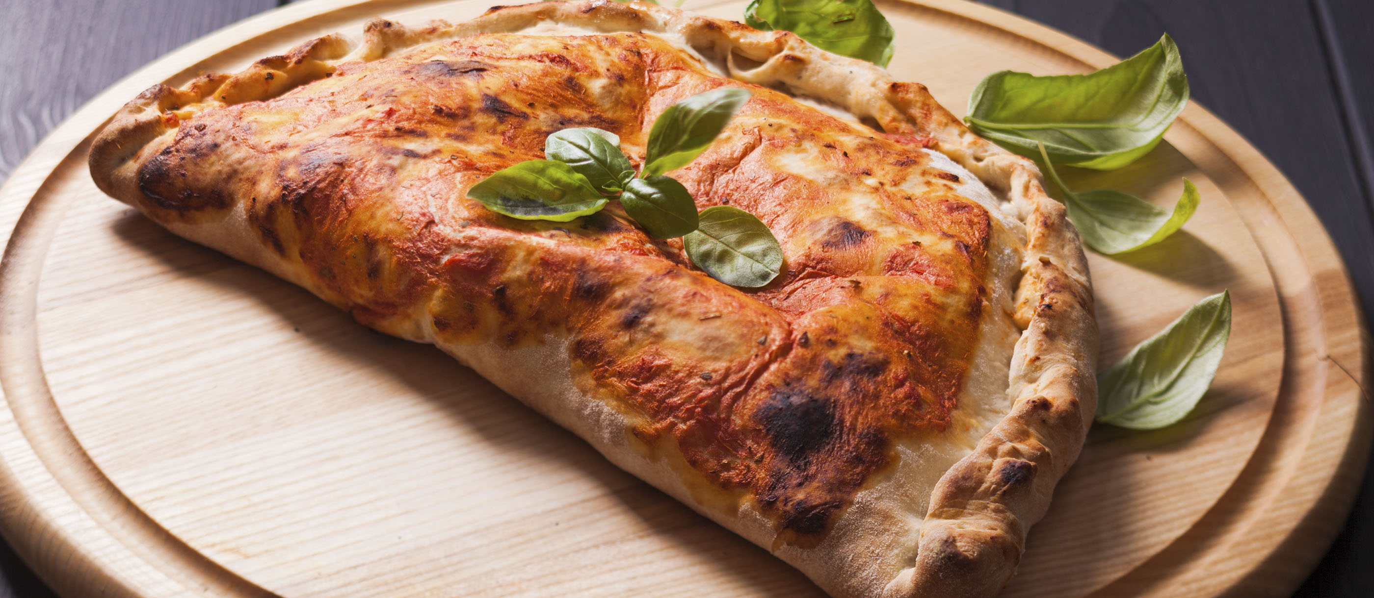 Calzone Pizza Authentic Recipe | TasteAtlas