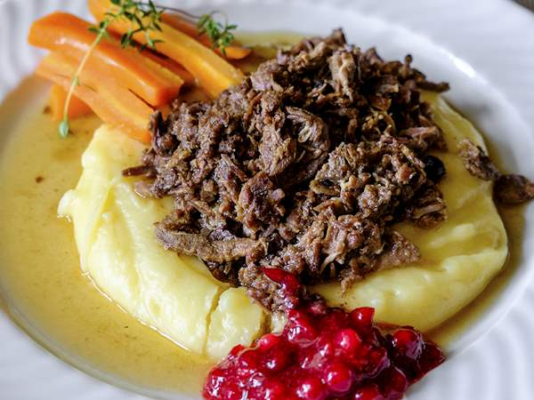 Poronkäristys | Traditional Game Dish From Lapland, Finland