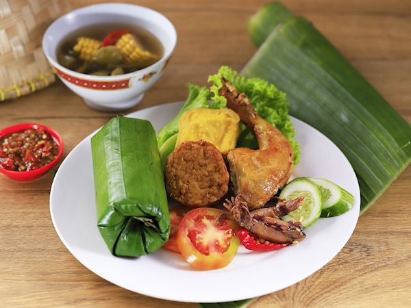 Nasi Timbel Makanan Khas Bandung yang Populer