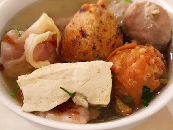 Bakwan Malang In Bakso Bakwan Malang Cak Su Kumis Tasteatlas Recommended Authentic Restaurants