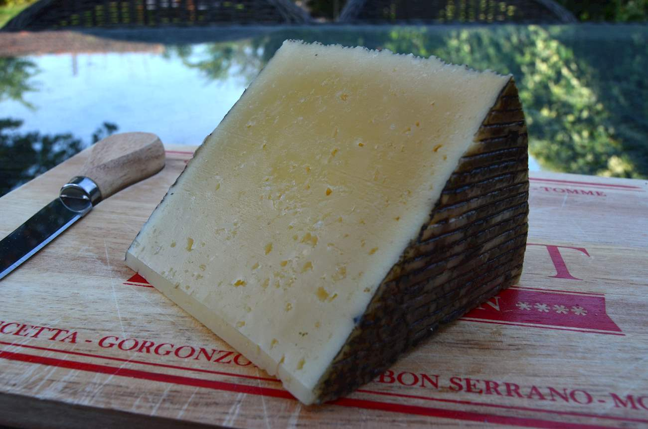 6 Most Popular Manchego Cheeses